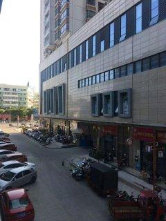 大龙城广场旁出售5层半330平毛坯房