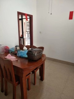 (桂平)鑫盛嘉园 3室2厅2卫116m²中档装修