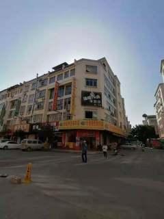 出售商贸城附近天地楼五层半占地122平简单装修