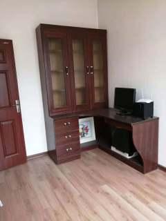 出售金贵花园楼梯房3室2厅2卫109平55万