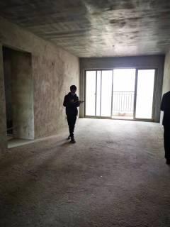 (桂平)西山华府3室2厅2卫115m²毛坯房
