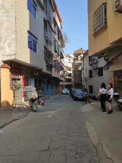 出售老干路8米大街商住两用天地楼75平简单装修