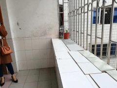 (桂平)合富大厦2室1厅1卫85m²简单装修