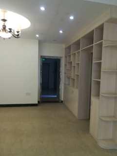 (桂平)江滨领航3室2厅2卫118m²精装修
