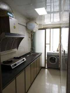 出售(桂平)国贸大厦 3室2厅2卫107.5平简单装修