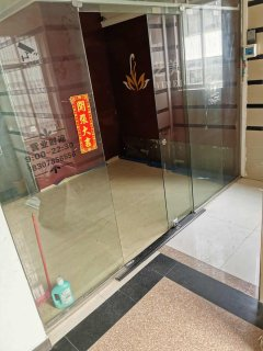岛内价对面,200平商用办公室,有电梯