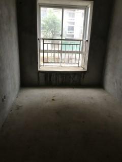 出售3室2厅2卫96平毛坯房