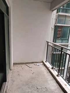 出售2室2厅1卫92平毛坯房