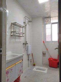 红锋华府全新装修三房集资房紧急出售!家电和家具全送,性价比高