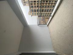 笋盘高楼层3房2厅2卫一口价58万包过户