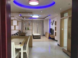 (桂平)现代人家3室2厅2卫2000元/月130m²出租