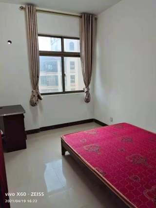 出租(桂平)西山御府3室2厅2卫120平简单装修